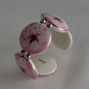 Round shape bangle, cherry blossom, side view