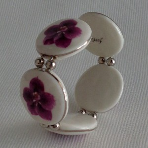 Round shape bangle, vanda style C, striped, Reddish Violet