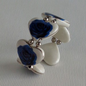 Heart shape bangle, blooming rose