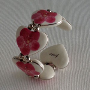 Heart shape bangle, vanda style B, dotted, Dark Pink