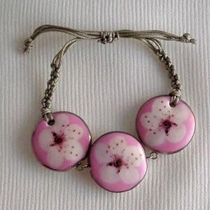 Round shape bracelet macrame, cherry blossom, side view, small x 3 pcs.