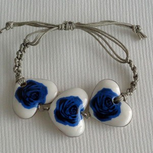 Heart shape bracelet macrame, blooming rose, small x 3 pcs.