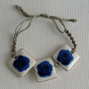 Square shape bracelet macrame, blooming rose, small x 3 pcs.