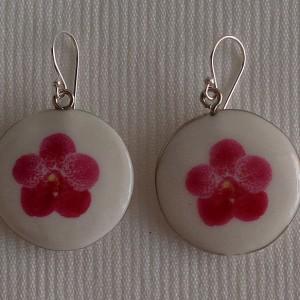 Round shape earrings, vanda style B, dotted, Dark Pink
