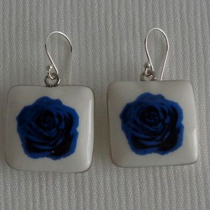 Square shape earrings, blooming rose
