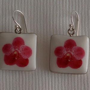 Square shape earrings, vanda style B, dotted, Dark Pink