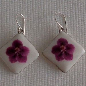 Vertical square shape earrings, vanda style C, striped, Reddish Violet