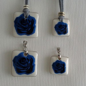 Square shape pendant, blooming rose, Medium