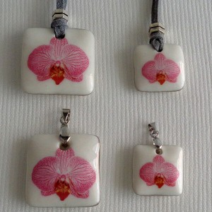 Square shape pendant, phalaenopsis style B, striped, Bright Pink, Medium