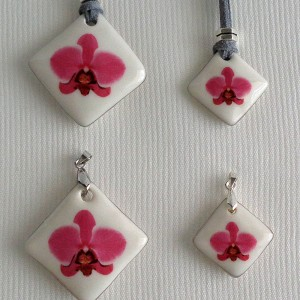 Vertical square shape pendant, phalaenopsis style A, hybrid, Pink, Small