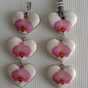Heart shape pendant, phalaenopsis style B, striped, Bright Pink, Small x 3 pcs.