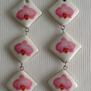 Vertical square shape pendant, phalaenopsis style B, striped, Bright Pink, Small x 3 pcs.