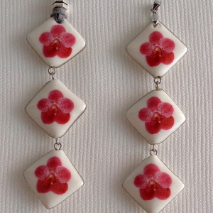 Vertical square shape pendant, vanda style B, dotted, Dark Pink, Small x 3 pcs.